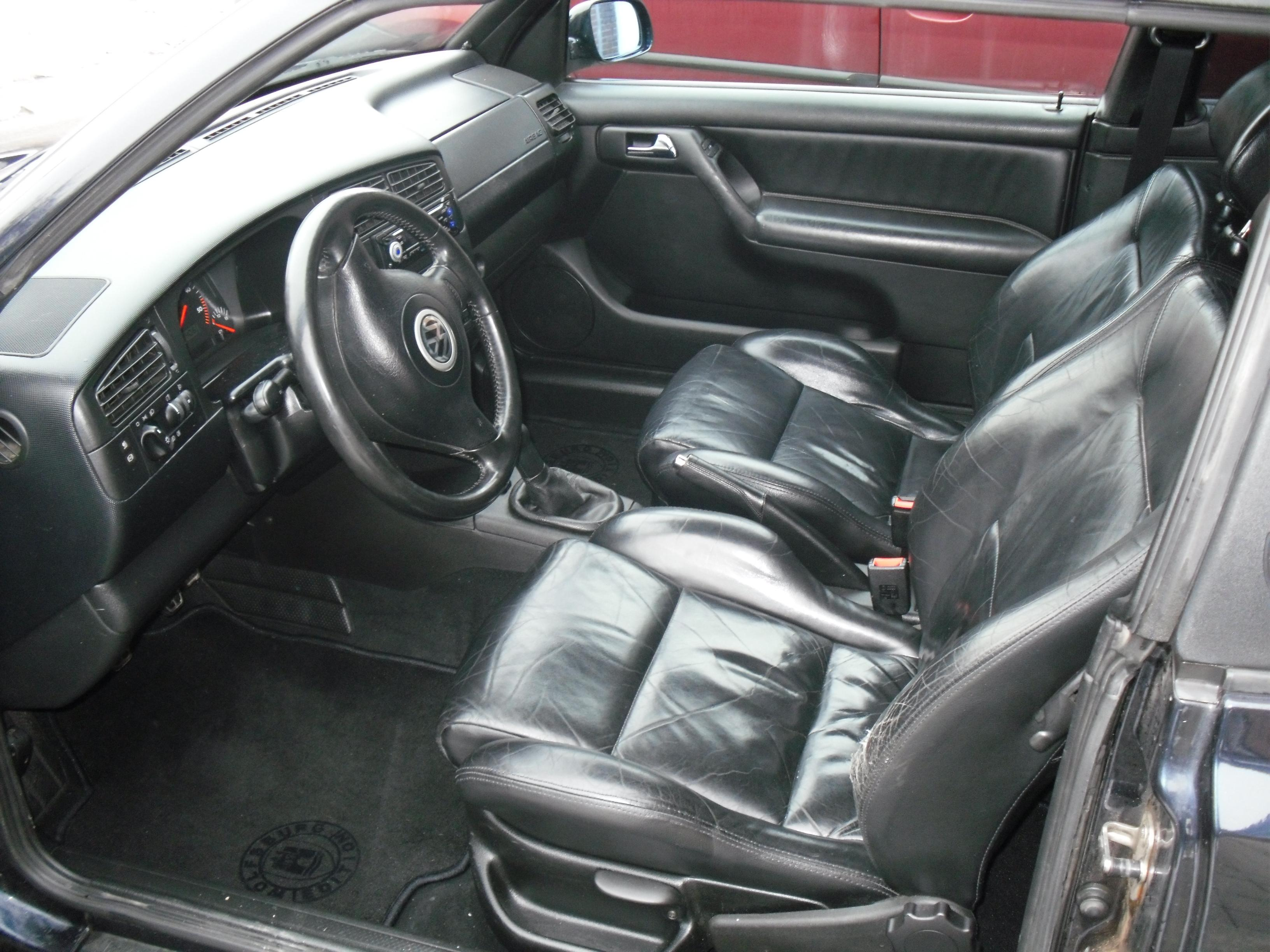 Golf iv tdi 90 cab de den4690 garage des golf iv tdi 90 for Lederen interieur golf 4