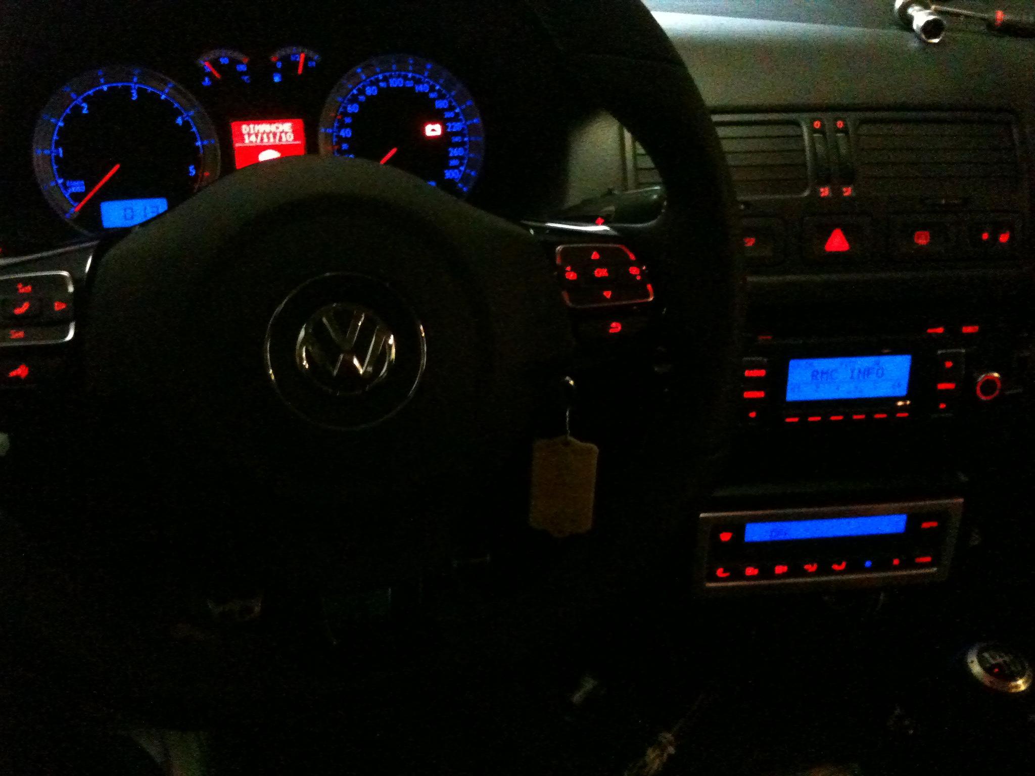 Golf tdi 100 4 rm de neslouk garage des golf iv tdi 100 for Garage volkswagen marennes 17