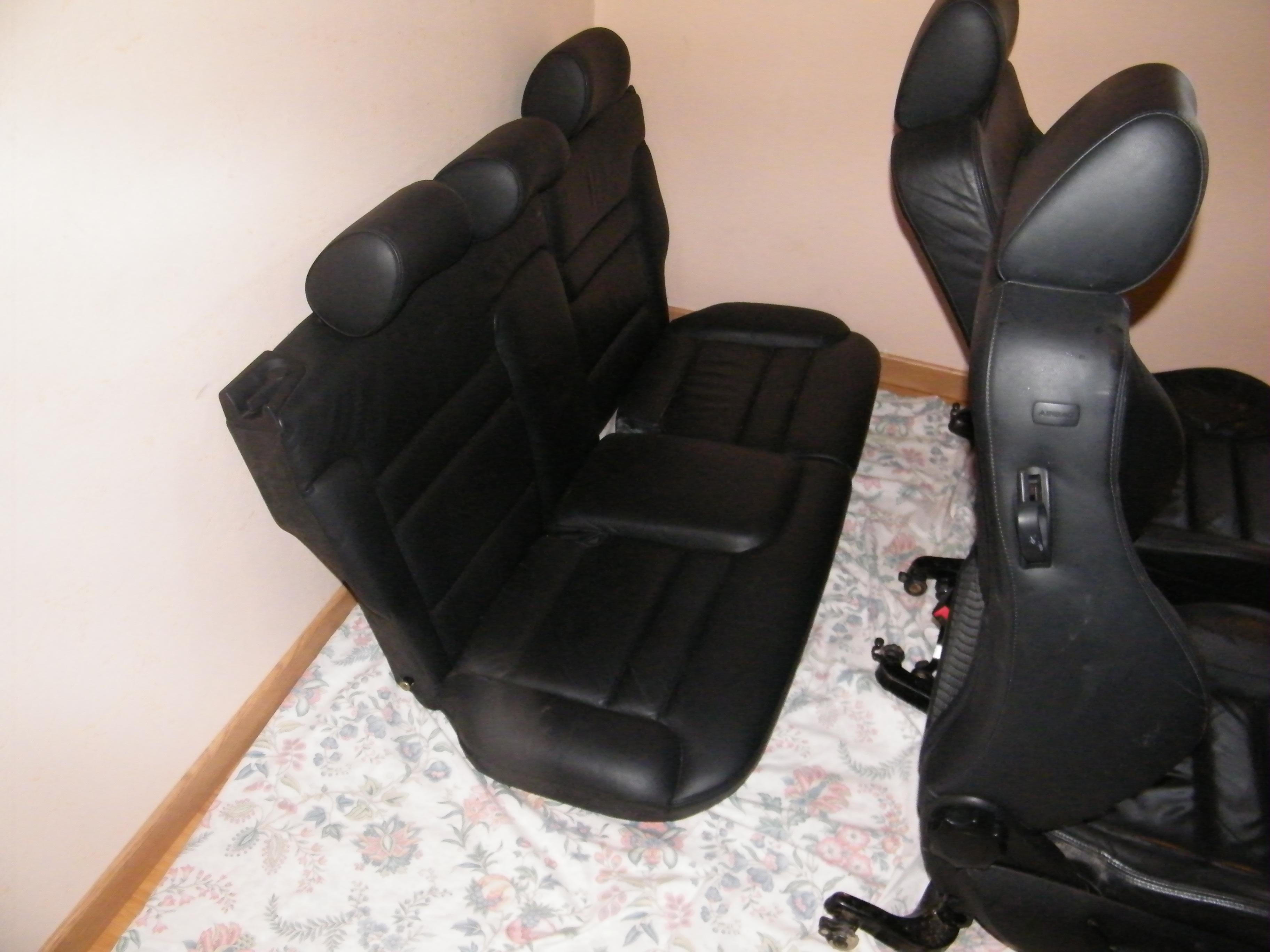 interieur cuir ok mais recaro accessoires int rieurs forum volkswagen golf iv. Black Bedroom Furniture Sets. Home Design Ideas