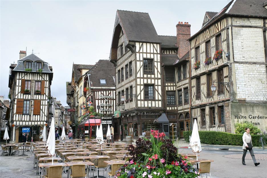Marque Avenue Troyes Saint Julien Des Villas
