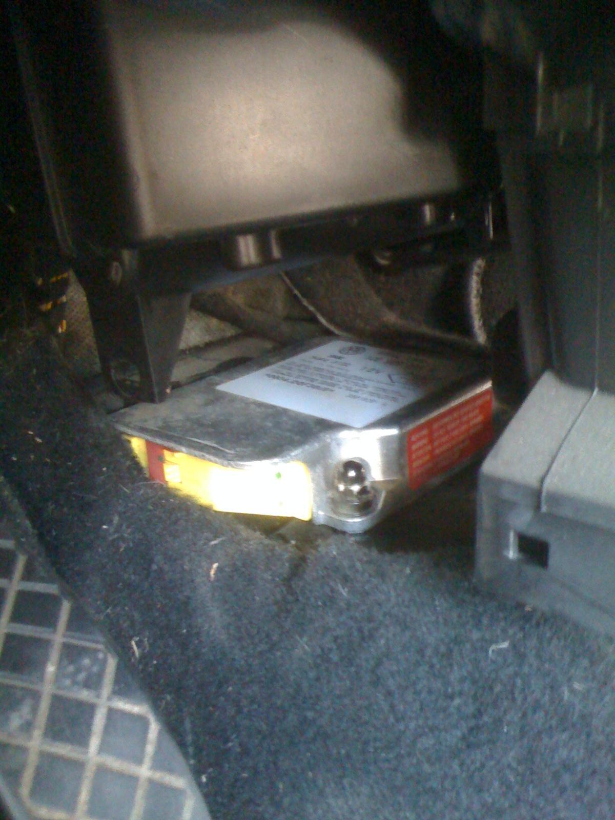 Calculateur airbag probl mes int rieurs forum - Comment demonter console centrale golf 4 ...