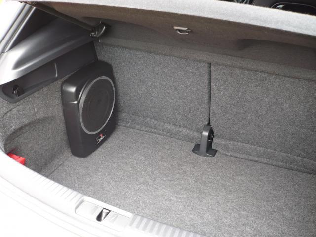 vw golf iv tdi 130 confort 02 de nicehead new r tro w8 garage des golf iv tdi 130 page. Black Bedroom Furniture Sets. Home Design Ideas