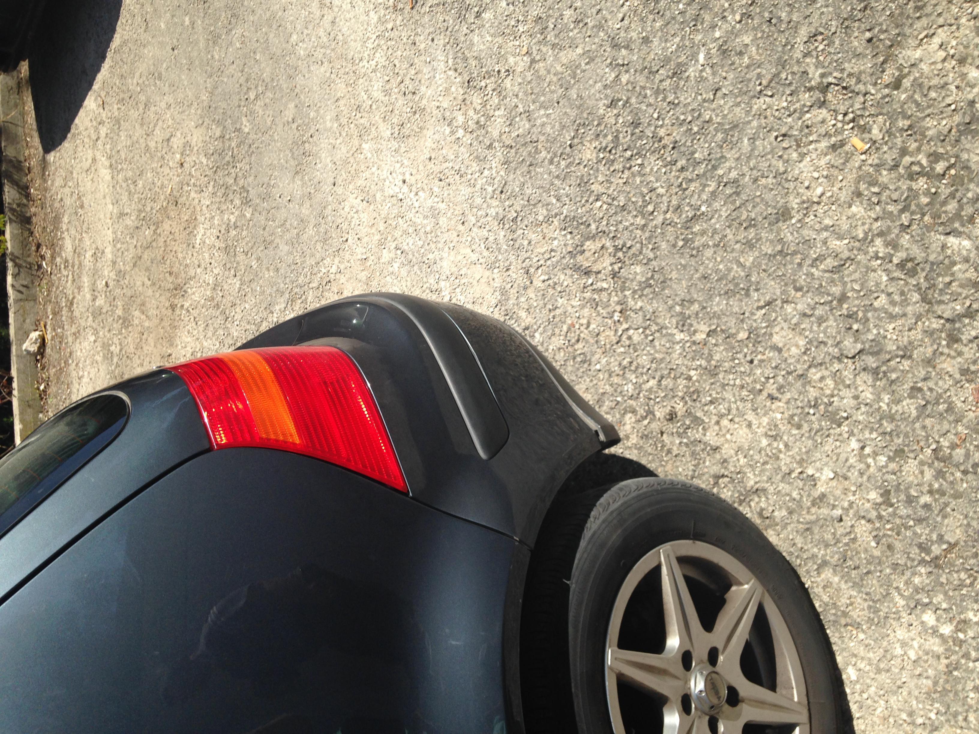 Vw golf iv tdi 110 up photo apr s accrochage for Volkswagen meaux garage