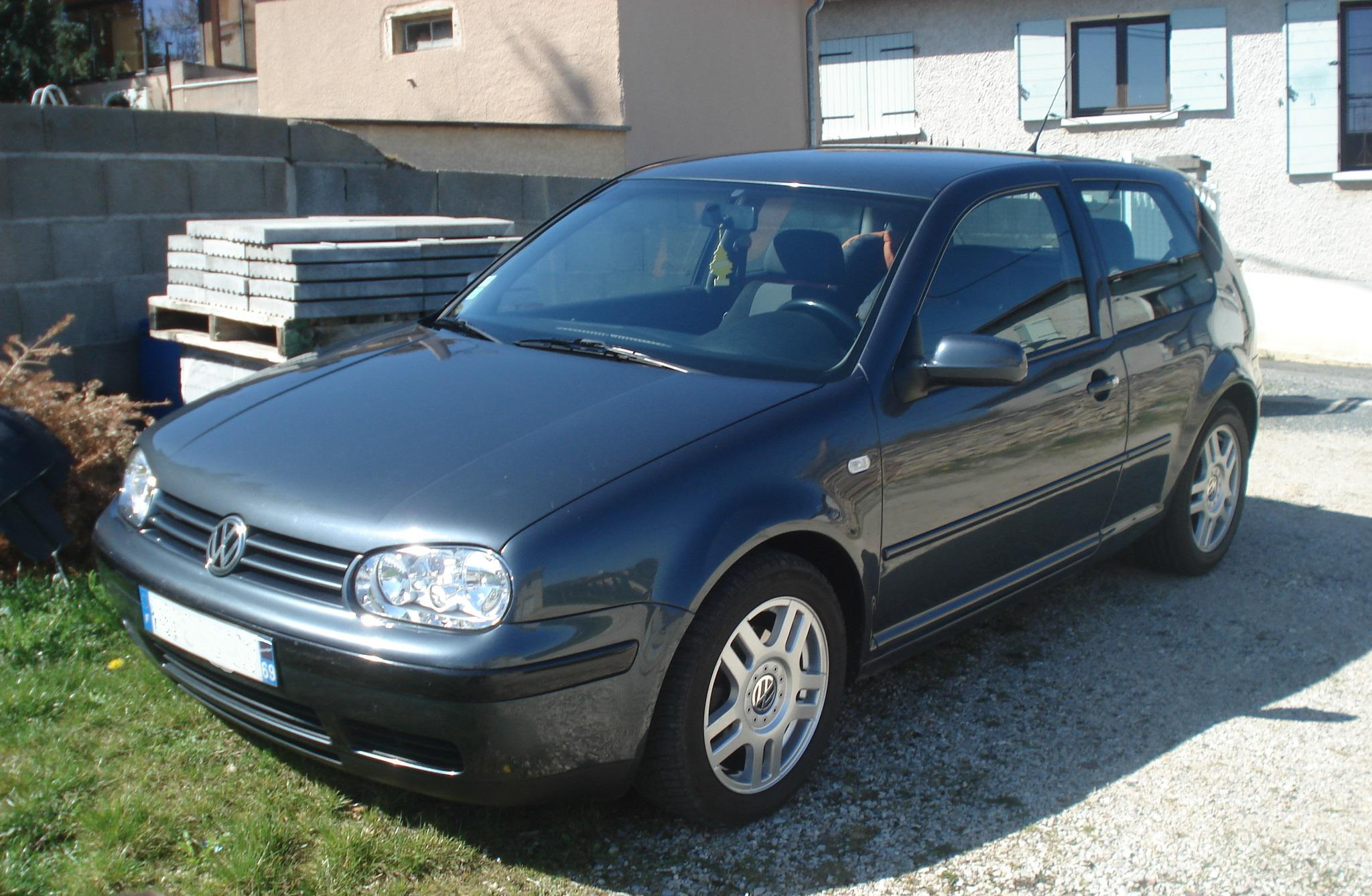 Vw golf iv 1 8 20v gti 1998 garage des golf iv tdi for Golf interieur montreal