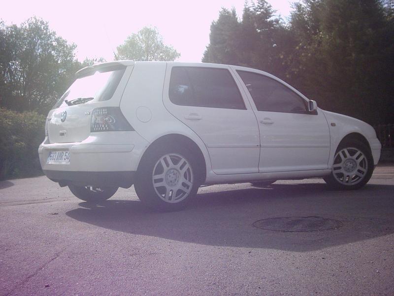 Golf iv tdi 110 blanche de zheboss garage des golf iv for Garage volkswagen briey