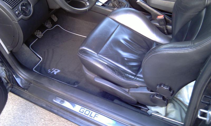 Golf iv gti tdi 150 finition cuir noir recaro garage for Salon recaro golf 4