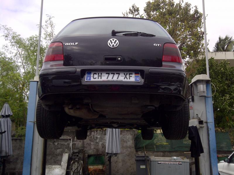 Golf gti 180 de zzman pioneer deh 80prs garage for Garage volkswagen saint denis